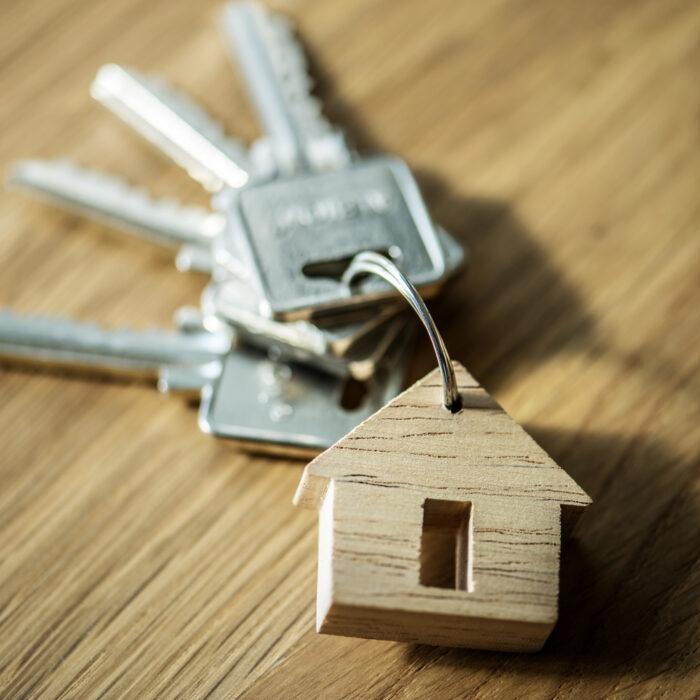 ESTUDI: La incertesa econòmica i el minvament d'ingressos encara dissuadeixen d'hipotecar-se al 80% dels consumidors
