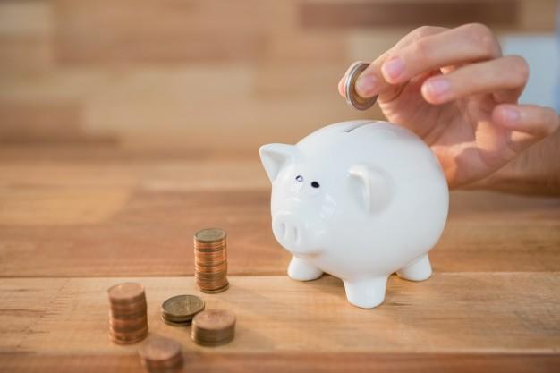 Desde ASUFIN te damos tres consejos para controlar tus gastos y ahorrar en tu vida diaria con pequeños cambios.